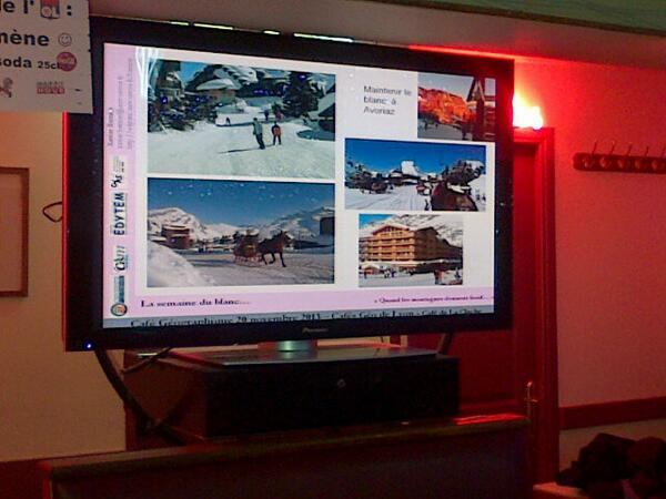 Pour le tourisme, un ré-enneigement des routes à Avoriaz.