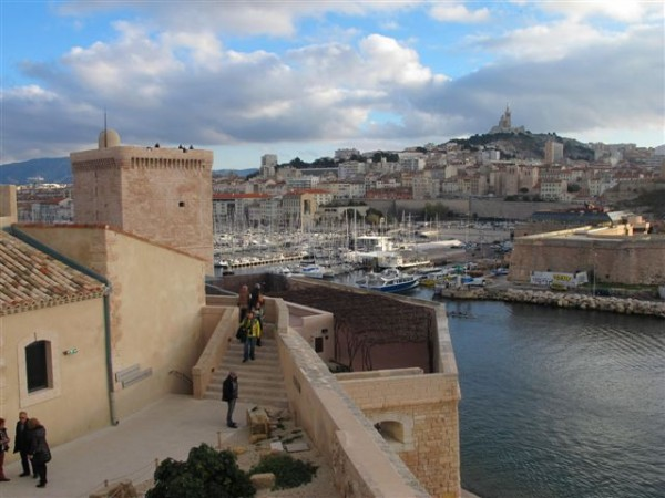 La tour du roi René, le vieux port et ND de La Garde