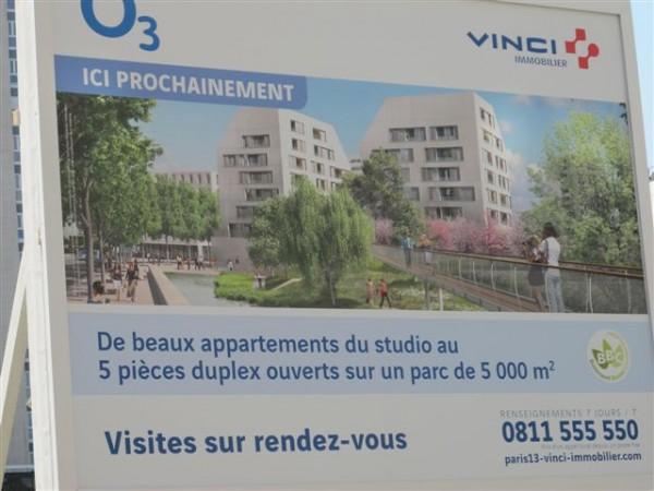 Affiche publicitaire pour le programme de logements