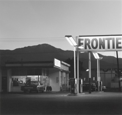 Robert Adams, Pikes Peak, Colorado Springs, Colorado, 1969 (Fraenkel Gallery, San Francisco et Matthew Marks Gallery, New York)