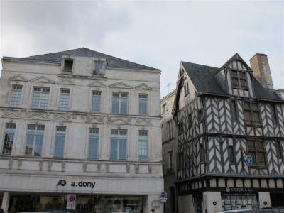 Deux architectures civiles typiques