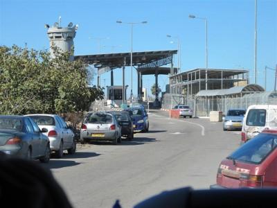 Un des 70 check-points de Cisjordanie (Cliché Maryse Verfaillie, novembre 2015)