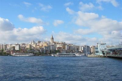 La colline de Galata et sa tour (le quartier se nomme aujourd'hui Beyoglu)