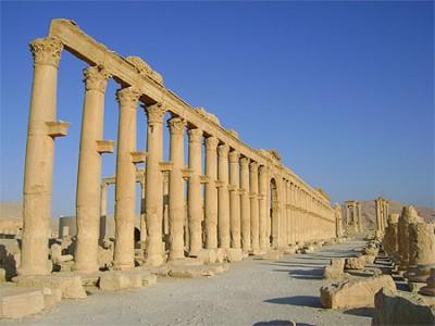 Une partie de la grande colonnade de Palmyre (www.routard.com)