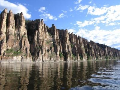 Les colonnes de la Lena (source: tout-sur-google-earth.com)