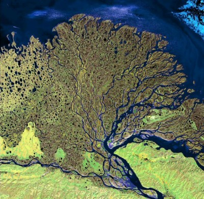 L'immense delta de la Lena au bord de l'océan Glacial arctique (source USGS, site cosmovisions.com)