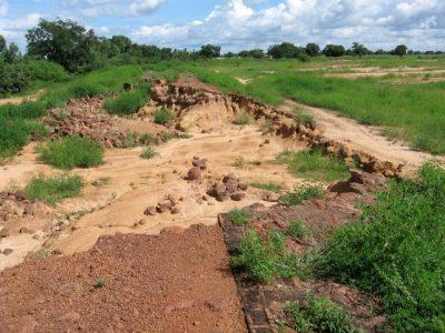 Digue-pont de Saaba-Tanghin détruite par les eaux