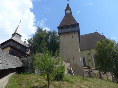 Vue partielle de l'église fortifiée de Biertan. L'ensemble, datant du XVe siècle, n'a jamais été conquis avec ses trois enceintes fortifiées, ses six tours et ses trois bastions (cliché Daniel Oster, juin 2015).