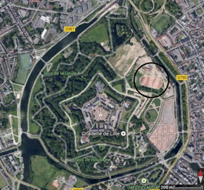 Figure 3: Vue aérienne de l'ancien stade de Lille détruit en 2010 (Yohan Lafragette à partir de Google Earth)