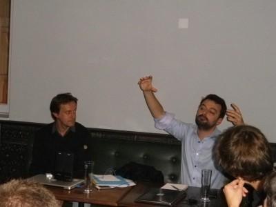 Les intervenants : F. Taulelle (à gauche) & S. Lapoix (à droite).