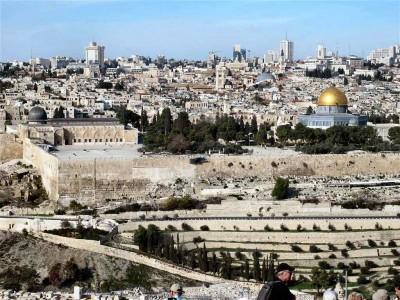 Jérusalem, vue depuis le mont des Oliviers, situé à l'est de la ville, en territoire palestinien (Cliché Maryse Verfaillie, novembre 2015)