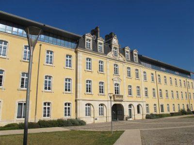 Caserne Heudelet devenu siège de la communauté d'agglomération de Dijon. Cliché de Maryse Verfaillie