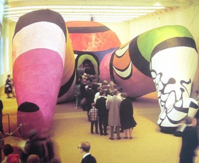 Public entrant dans Hon, 1966