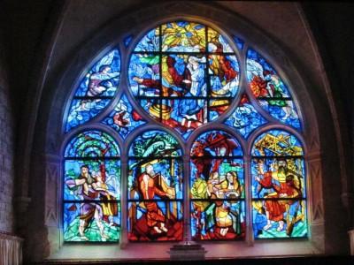 Baie de Notre-Dame de la terre et du Ciel et détail du Couronnement de la Vierge, 1995 Gérard Garouste / Atelier Parot Eglise de Talant –Côte d'Or)