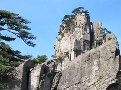 Un pic granitique caractéristique des Huangshan (cliché de Maryse Verfaillie)