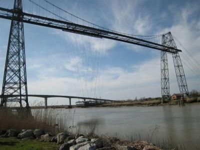 Le pont transbordeur et le pont contemporain