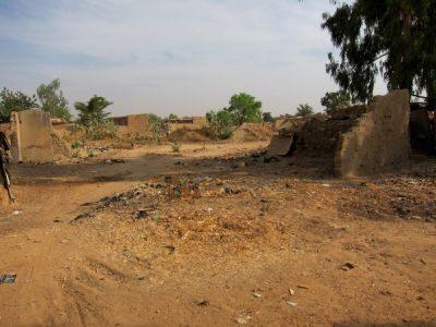 Quartier détruit par les eaux et les bulldozers au centre d'Ouagadougou