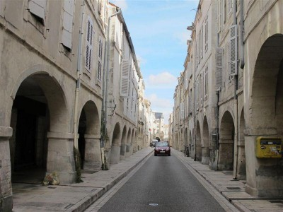 Rue à arcades (rue du Minage)