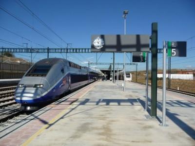 Le TGV en gare de Figueres*-Vilafant (province de Gérone), photo RCourtot, 26.10.2011