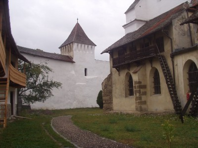 Eglise et village fortifié saxon de Harman, Transylvanie.  (photosM.Sivignon)